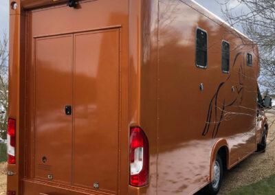 carriage-horseboxes-orange-4144-no-snow