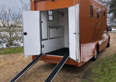 carriage-horseboxes-orange-4155-no-snow