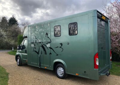 carriage-horseboxes-teal-3009