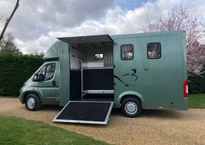carriage-horseboxes-teal-3011