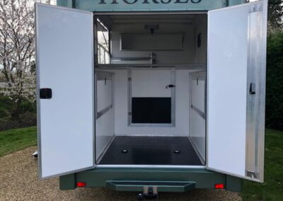 carriage-horseboxes-teal-3014